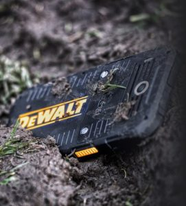 DeWALT-PHONE-3